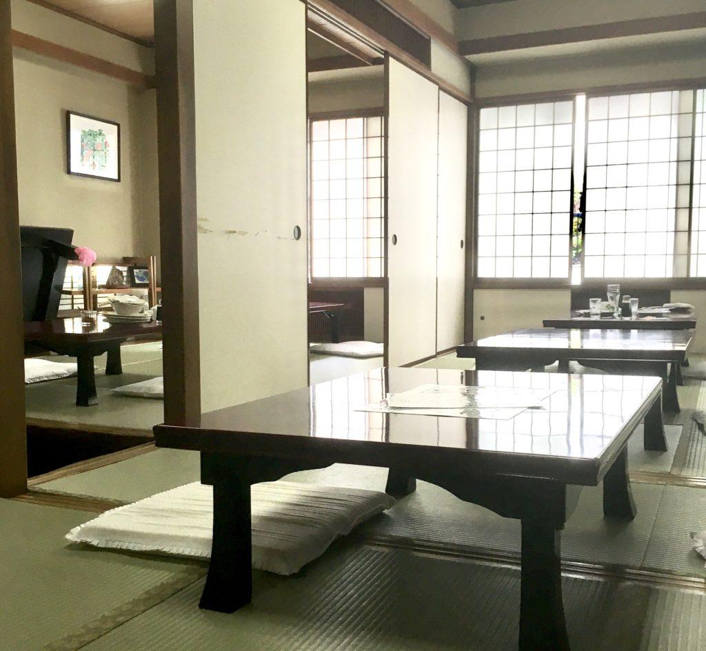 銀座洋食屋煉瓦亭 の長く愛される老舗の人気メニュー明治オムライス