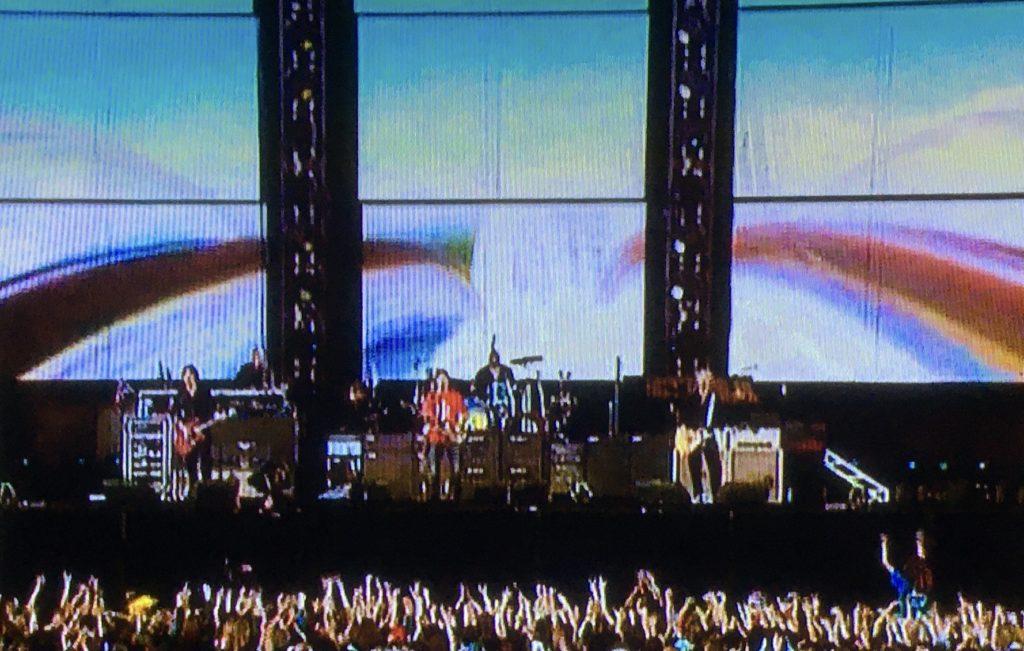 ポール・マッカートニー ロシア初公演 赤の広場でビートルズを歌う