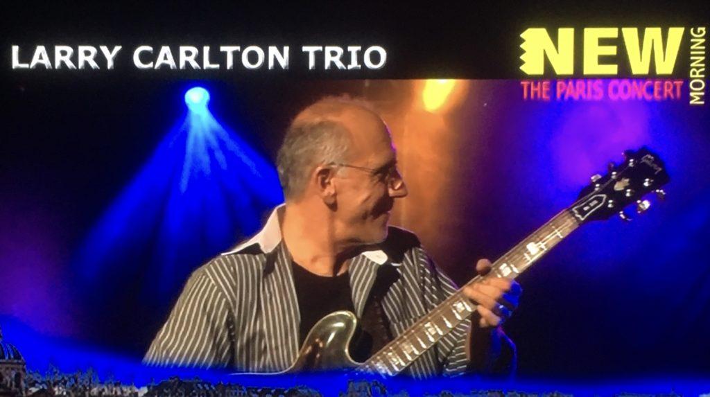 ラリー・カールトンがギブソン335 でジャズ・ブルーズ トリオライブ